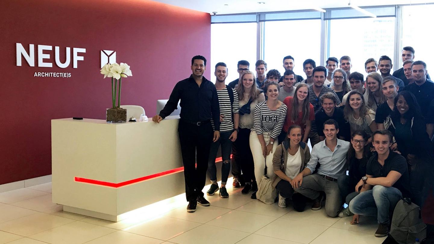 Dutch students visit the offices of NEUF